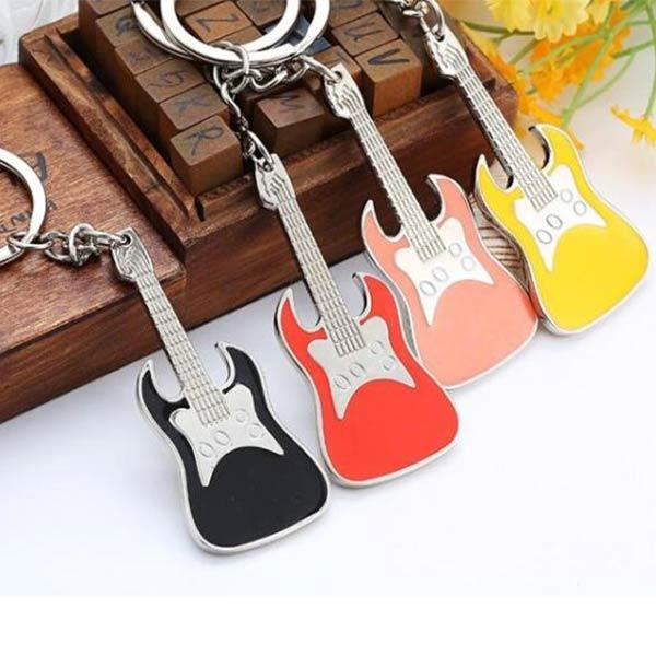 オリジナルoemノベルティ高級キーチェーン キーホルダー カラーギター 楽器  バイオリン キーリング 広告贈り物 OEM製作対応
