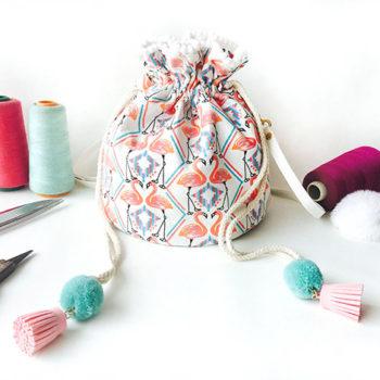トモウ(智宇)オリジナルハンドバッグ 巾着ショルダー レディース 手提げ おしゃれ 持ち運びに便利な厚手キャンバス洗濯袋 耐久性のある