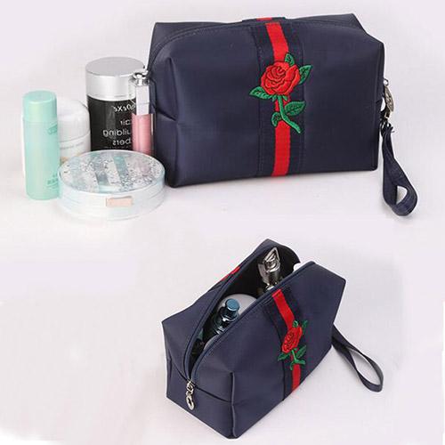 OEM化粧収納ポーチ 刺繍 ダークブルー 大容量収納 トイレタリーバッグ 旅行小物収納 防水 バニティポーチ 化粧品 収納ケース